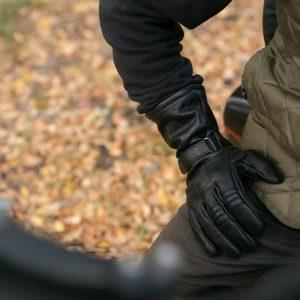 gauntlet glove looks great